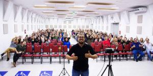 W7 realiza palestra em parceria com a Faculdade QI